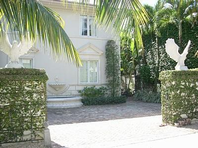 Palm Beach in Town Mansion-7 Night Minimum Stay