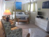 Kailua vacation rental: Monet Room