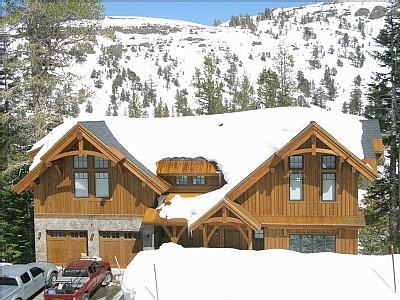 Kirkwood Luxury Ski in Ski Out Family Home