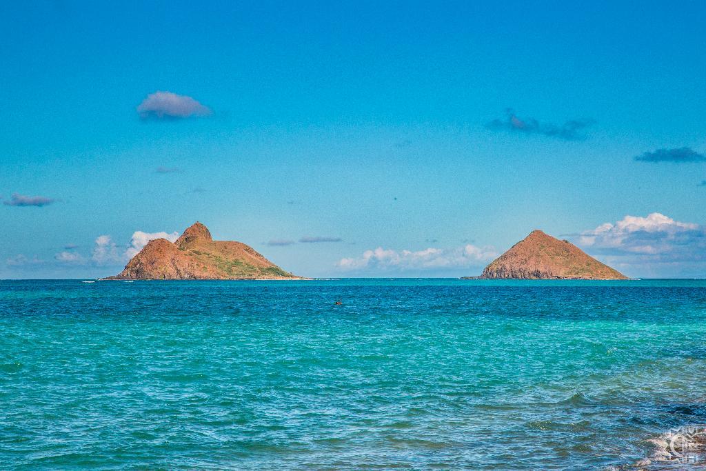Na Mokulua Hawaii: Kayaking To The Mokulua Islands In Kailua, Oahu, Hawaii